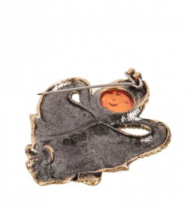 AM-2109 Брошь  Слон Индия   латунь, янтарь