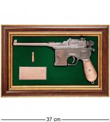 ПК-221 Панно с пистолетом «Маузер» в подарочной упаковке 25х37
