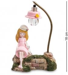 MN-112/2 Фигурка  Девочка с мишкой под фонарем