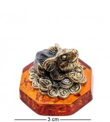 AM-2272 Фигурка «Мышь Фен-шуй на монетках»   латунь, янтарь