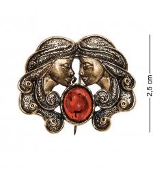 AM-2586 Брошь Знак зодиака-Близнецы  латунь, янтарь