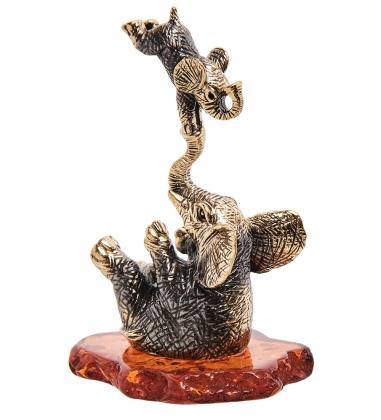 AM-3261 Фигурка Слоны Акробаты  латунь, янтарь