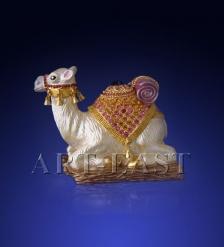 SMT071015В02 Шкатулка  Верблюд