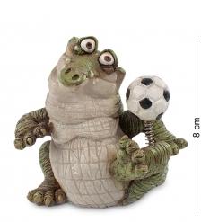 CD-7124-SC Фигура мал. Крокодил «Футболист»  Sealmark