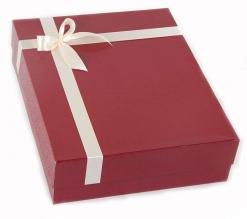 Коробка с лентой для родословной книги