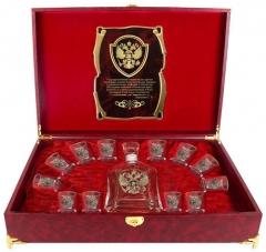 Набор Штоф Капитол и 12 стопок(золотая кайма) Герб (латунь) Гос.человек  шкатулка  с музыкальным блоком