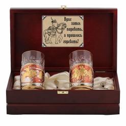 Набор подстаканников с позолотой Три богатыря и Витязь на распутье (эмаль) в деревянном футляре