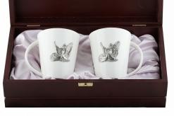 Набор из двух чашек с накладкой Лебеди  в деревянном футляре