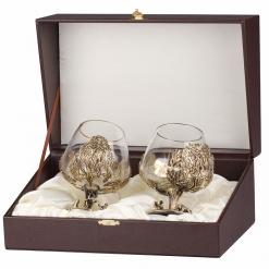Набор из двух бокалов для коньяка Охота на Кабана (Дуб) и Рыбак в скошенном футляре бумвинил