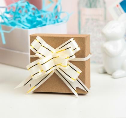 Бант-бабочка №1,8 Золотые полосы, цвет белый
