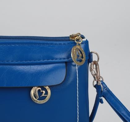 Клатч женский, 1 отдел с перегородкой, 2 наружных кармана, длинный ремень, с хлястиком, цвет синий